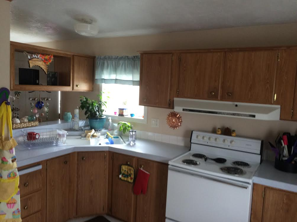 Affordable 2 Bedroom, 1.5 Bath Manufactured Home Features A Covered Carport  And Storage Shed. Lawn Mowing And Garbage Pick Up Are Included.